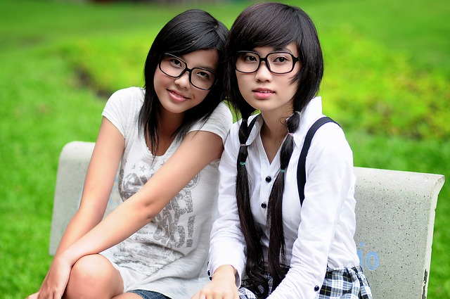 girl-1741925_640